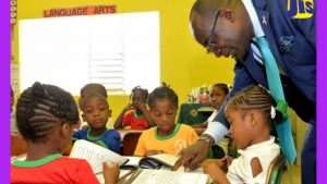 Education Ministry to Receive 10,000 ICT Devices
