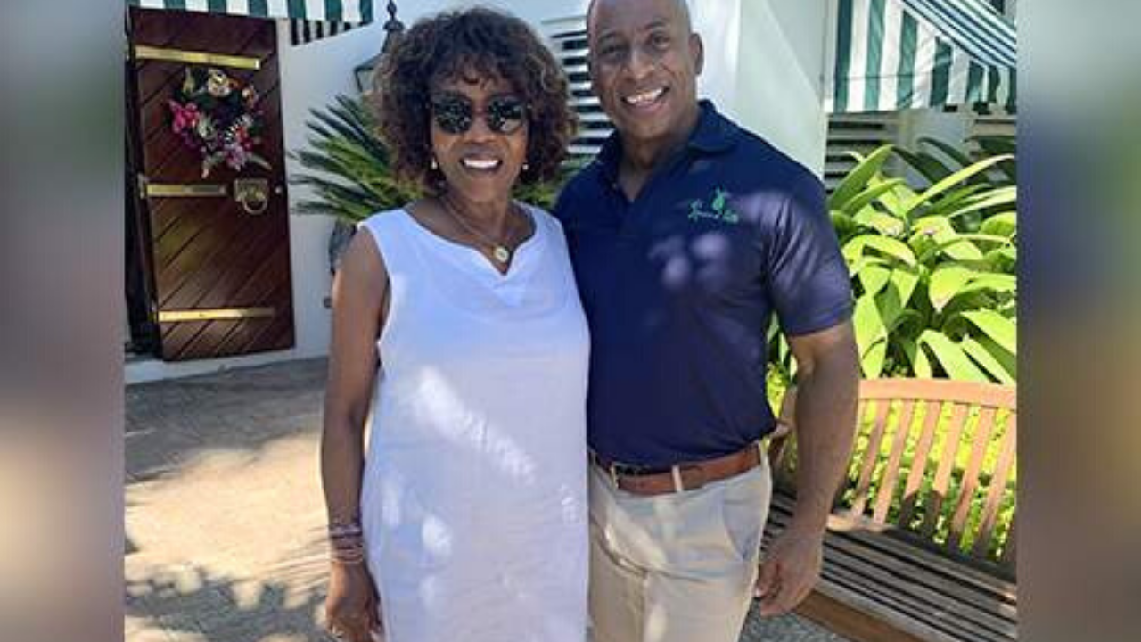 Alfre Woodard vacations in Jamaica again